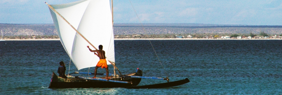 local-peoples-fishing-boat-anakao-south-west-madagascar_fa88-2200x1462px_946x318_scaled_cropp